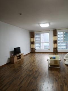 (胶南)帝邦卓郡3室2厅2卫147m²简单装修
