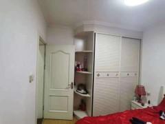 (胶南)绿地国际花都3室2厅2卫120m²精装修