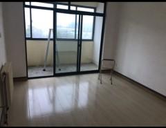 (胶南)风河家园3室2厅2卫113.1m²简单装修送车库