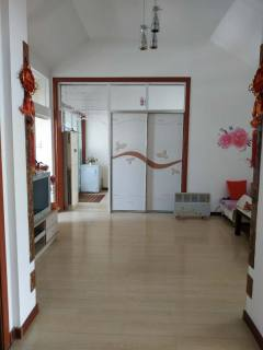 (胶南)百盛花园4室1厅1卫130m²精装修