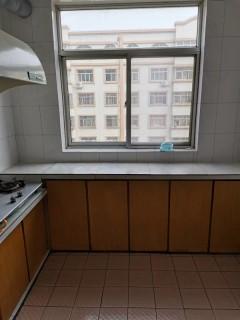 (胶南)台东花园3室2厅1卫100m²精装修