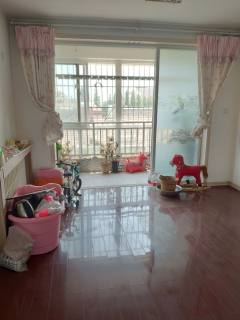 (胶南)温馨家园3室2厅2卫105m²中档装修