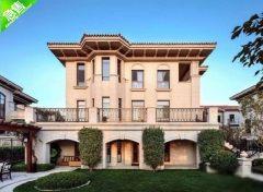独栋海景别墅,共三层,使用面积580㎡,送300㎡大院子