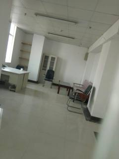 出租黄岛保税区新天地大厦办公室(可注册公司)