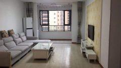 锦绣城二期 精装修4室2厅2卫 2200元/月 141m² 家电家具齐全 拎包入住 随时看房